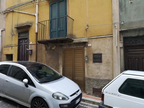 Fristående lägenhet i Bisacquino