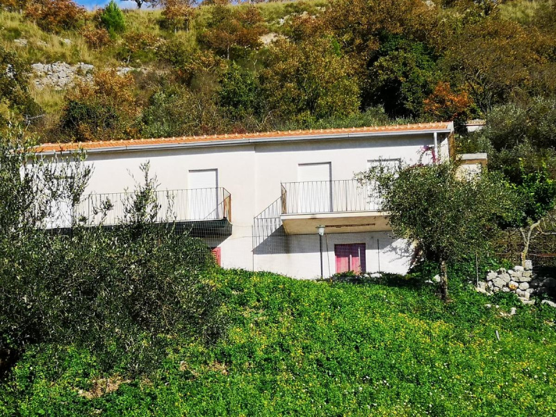 Villa in Giuliana
