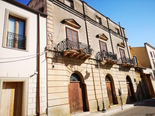 Palast in Menfi