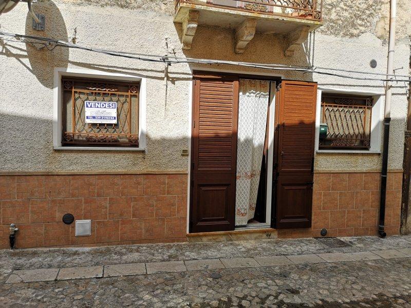 Doppelhaushälfte in Palazzo Adriano