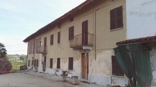 Bauernhaus in Montegrosso d'Asti