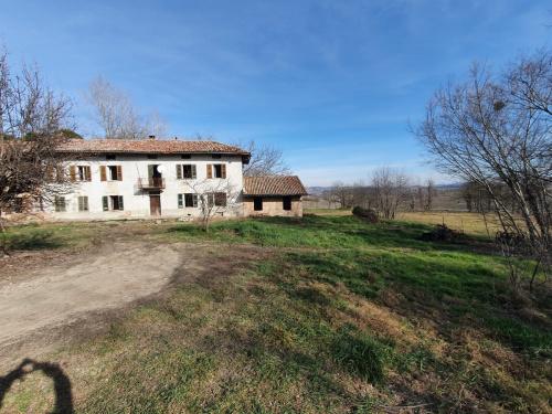Landhaus in Costigliole d'Asti