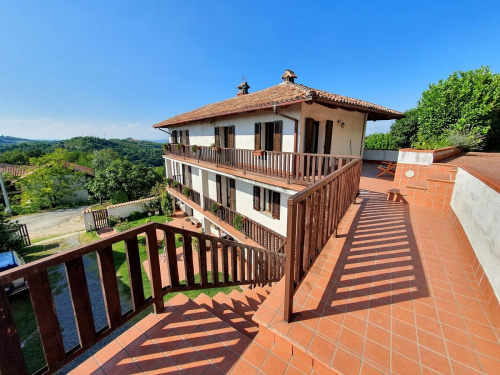 Detached house in Cassinasco