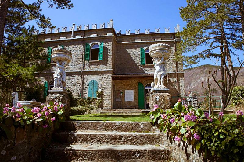 Историческое здание в Alto Reno Terme