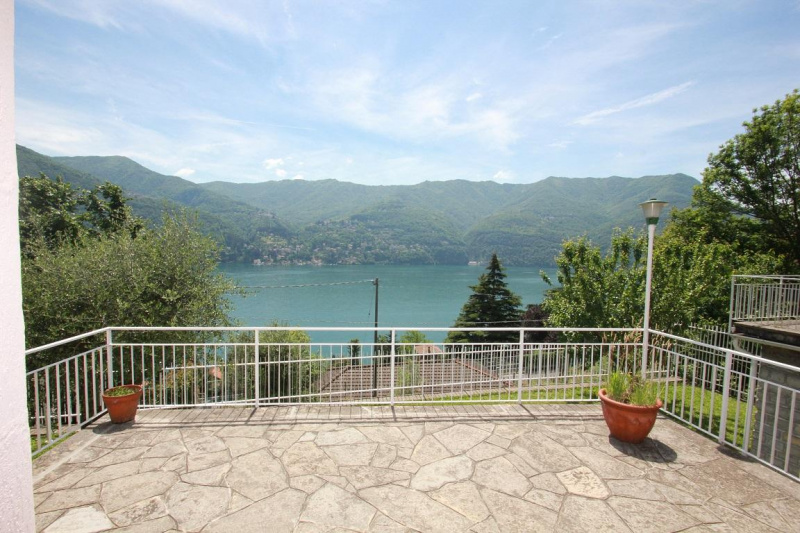 Detached house in Laglio