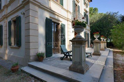 Villa in Treia