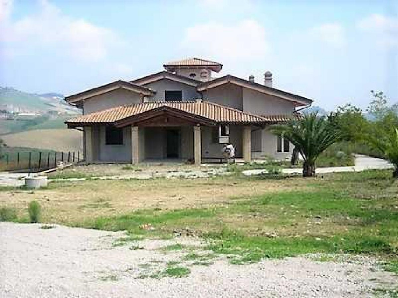 Villa in Teramo