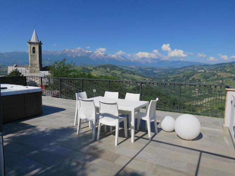 Himmel/Erde in Montefino