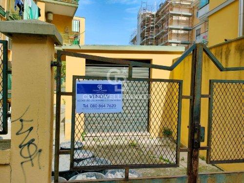 Edifício comercial em Bari
