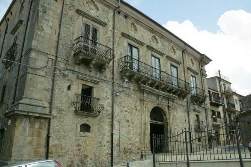 Palast in Mistretta