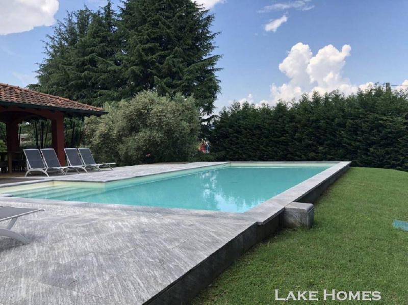 Villa in Dormelletto