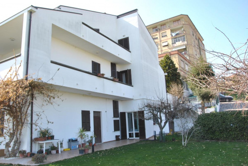 Casa indipendente a Monte San Pietrangeli