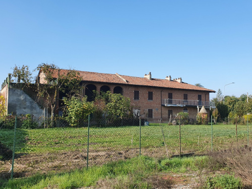 Country house in Dusino San Michele
