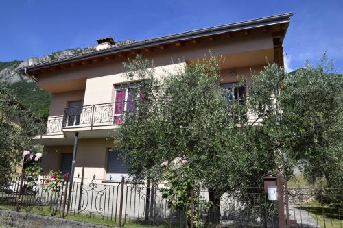 Villa i Lierna