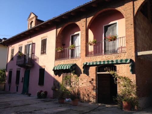 Casa de campo en Montiglio Monferrato