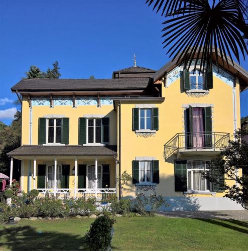 Villa in Castelveccana
