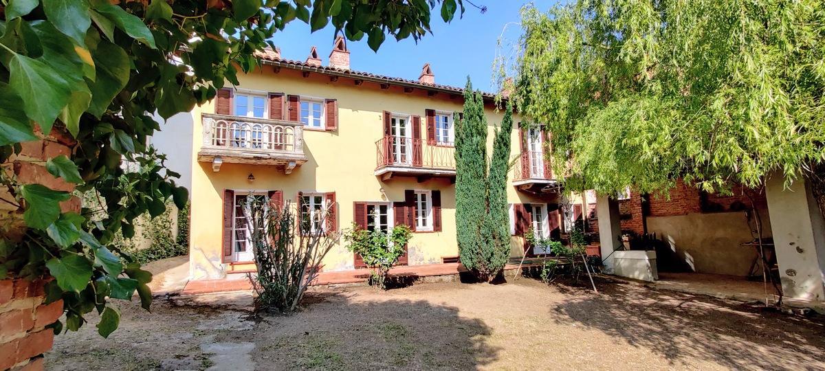 Casa de campo en Lu e Cuccaro Monferrato