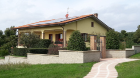 Вилла в Сан-Лоренцо-Нуово