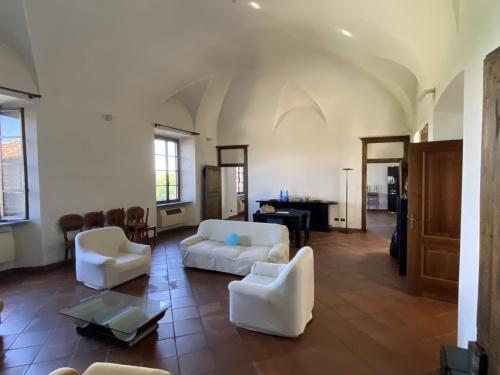Casa histórica en Incisa Scapaccino