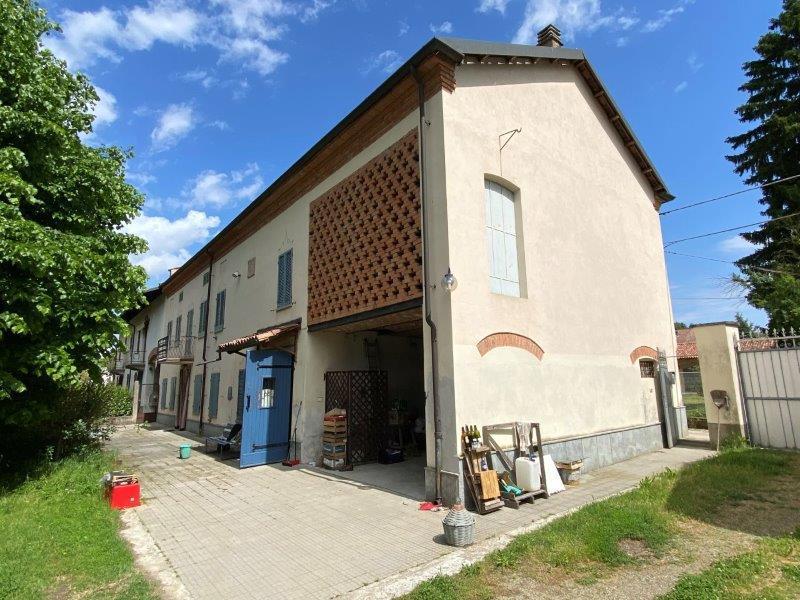 Casa de campo en Castelnuovo Belbo