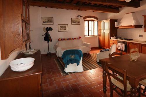 Apartment in Castagneto Carducci