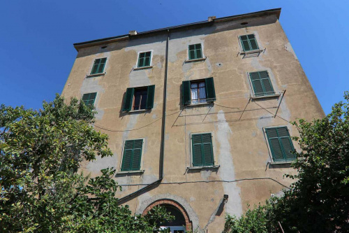 Apartment in Castagneto Carducci