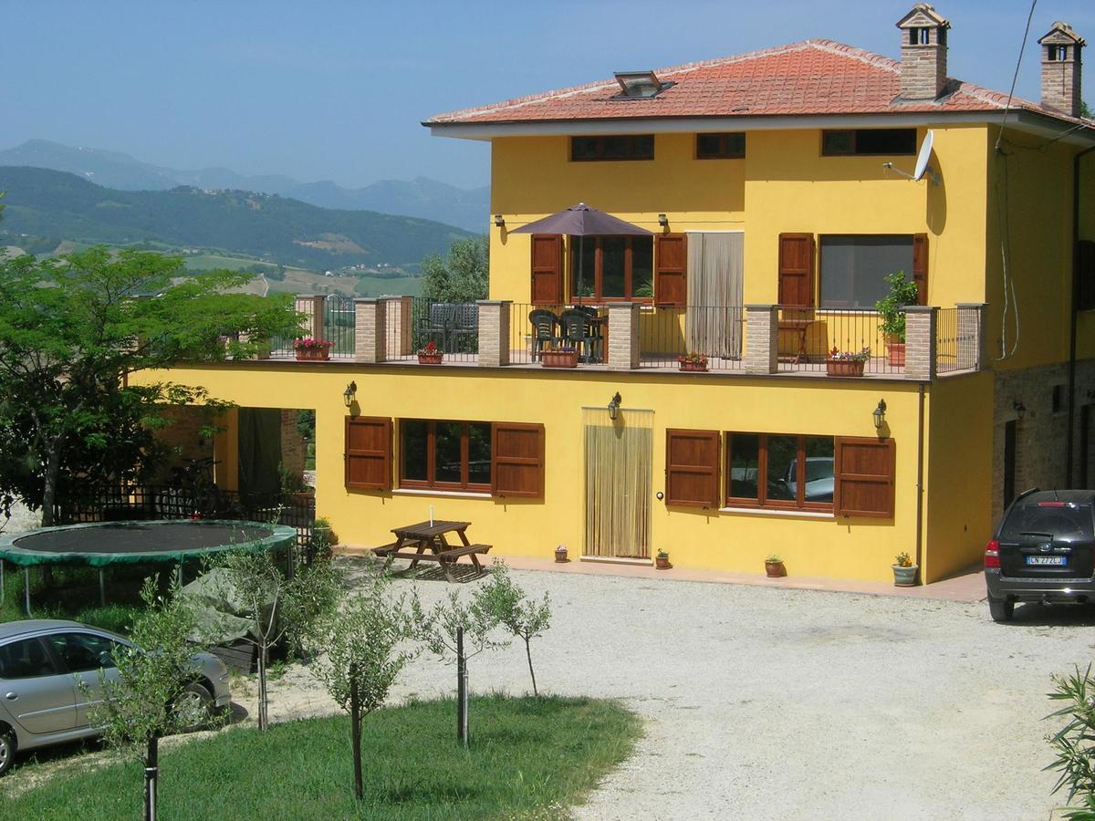 Klein huisje op het platteland in Montelparo