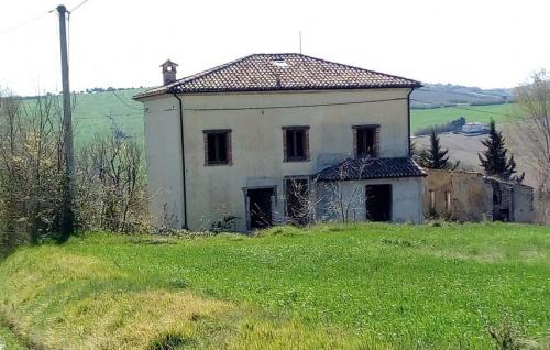 Landhaus in San Costanzo