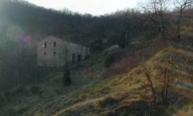 Klein huisje op het platteland in Cagli