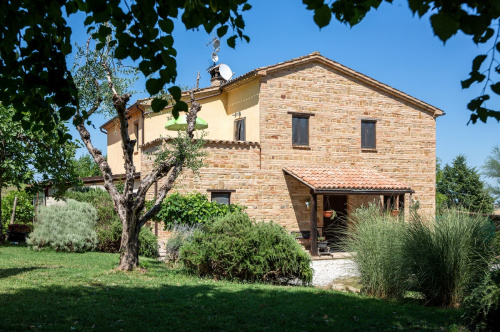 Villa in Colmurano