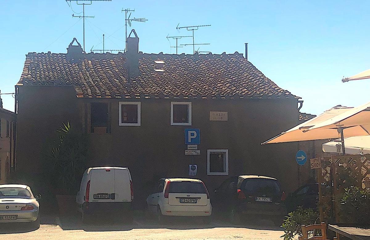 Half-vrijstaande woning in Castagneto Carducci
