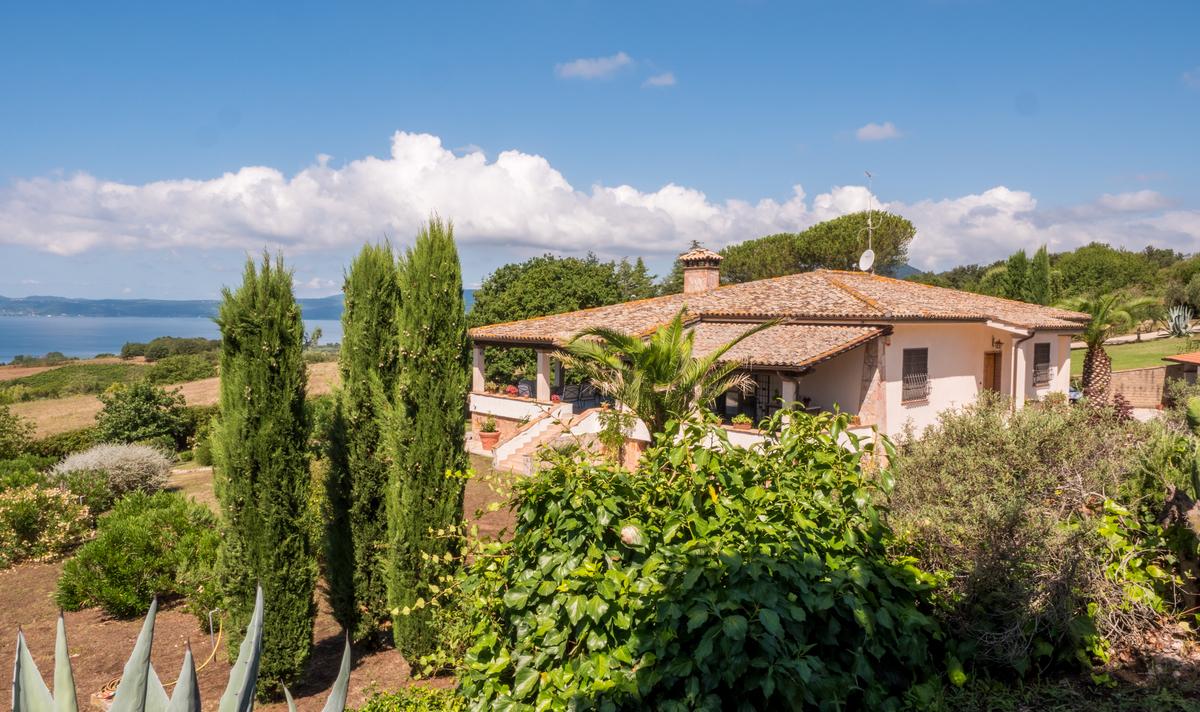 Villa a Trevignano Romano