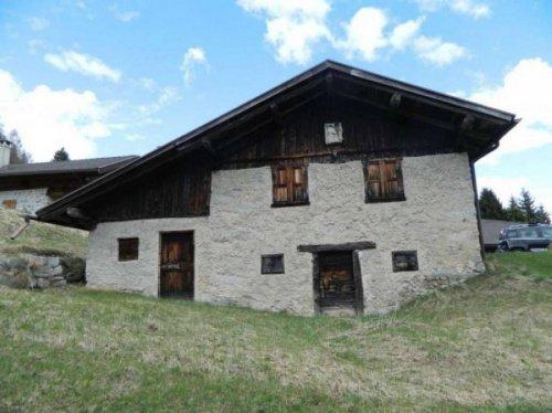 Hus på landet i Strembo
