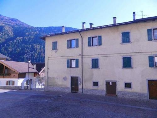 Hus i Pelugo