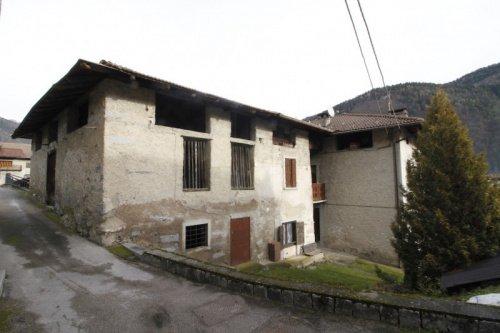 House in Porte di Rendena
