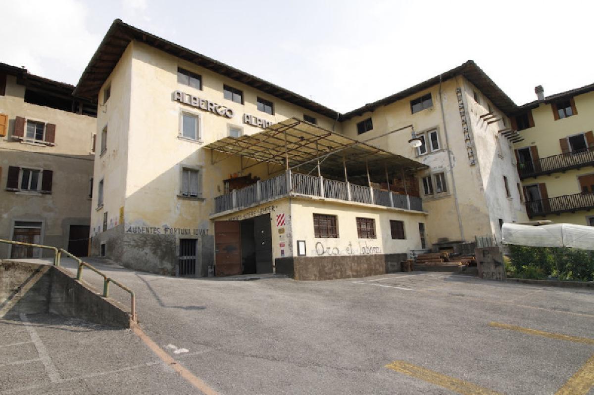Hus i Borgo Chiese