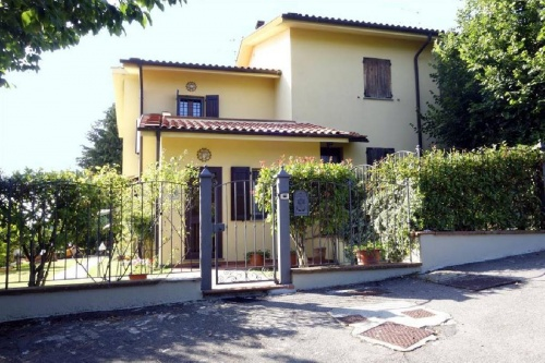 Self-contained apartment in Marliana