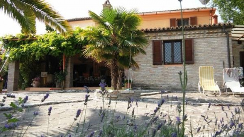 Detached house in San Costanzo