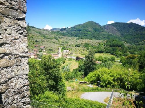 Casa geminada em Casola in Lunigiana