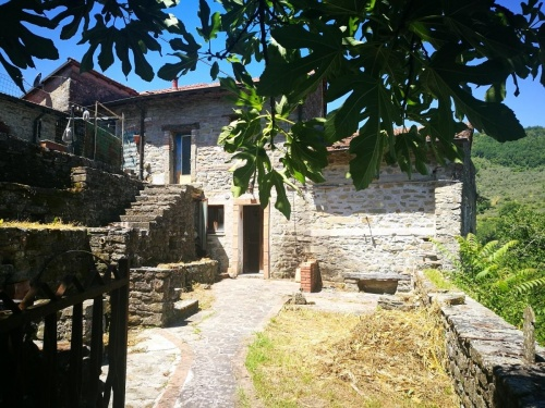 Semi-detached house in Casola in Lunigiana