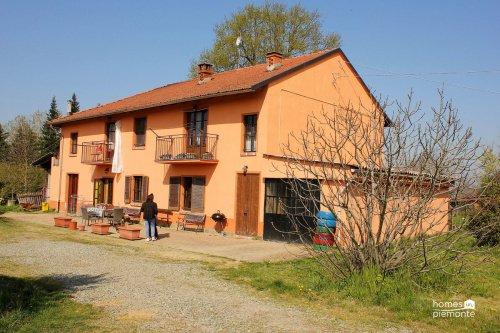 Bauernhaus in Rocchetta Tanaro