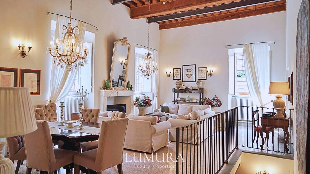 Appartamento storico a Lucca