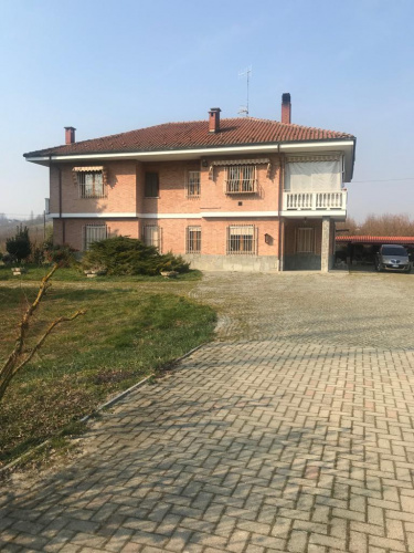 Villa en Alba