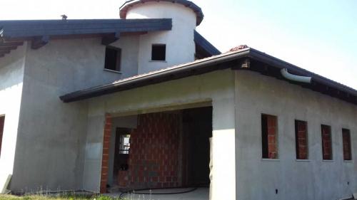 Villa a Oleggio Castello