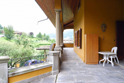 Villa in Leffe