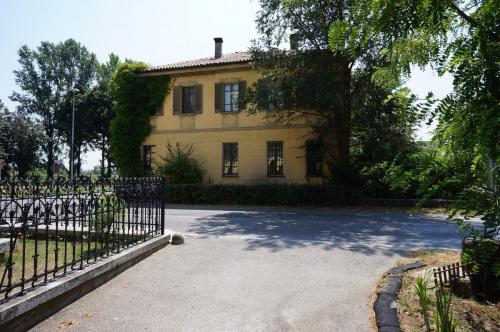 Villa en Izano