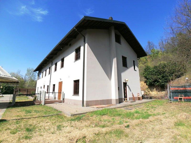 Edificio en Asti