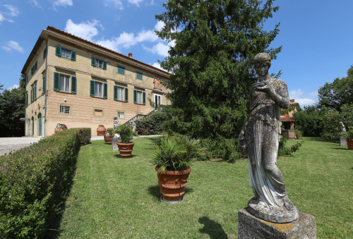 Villa a Pisa
