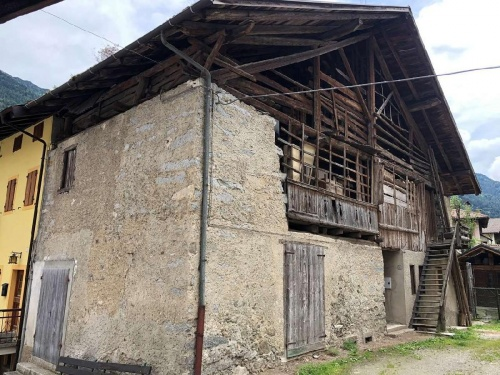 Casa geminada em Strembo