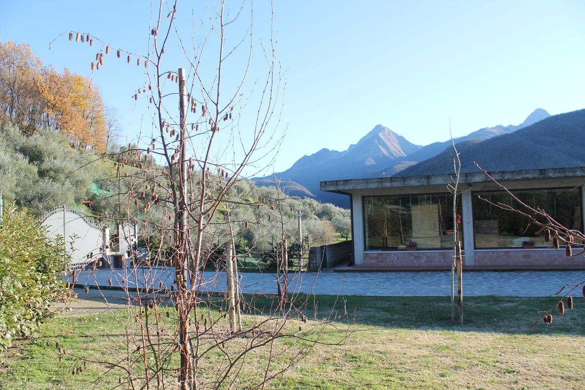 Immobile commerciale a Casola in Lunigiana